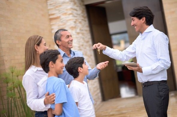What's the Difference between a Real Estate Agent, Real Estate Broker, and Realtor 2